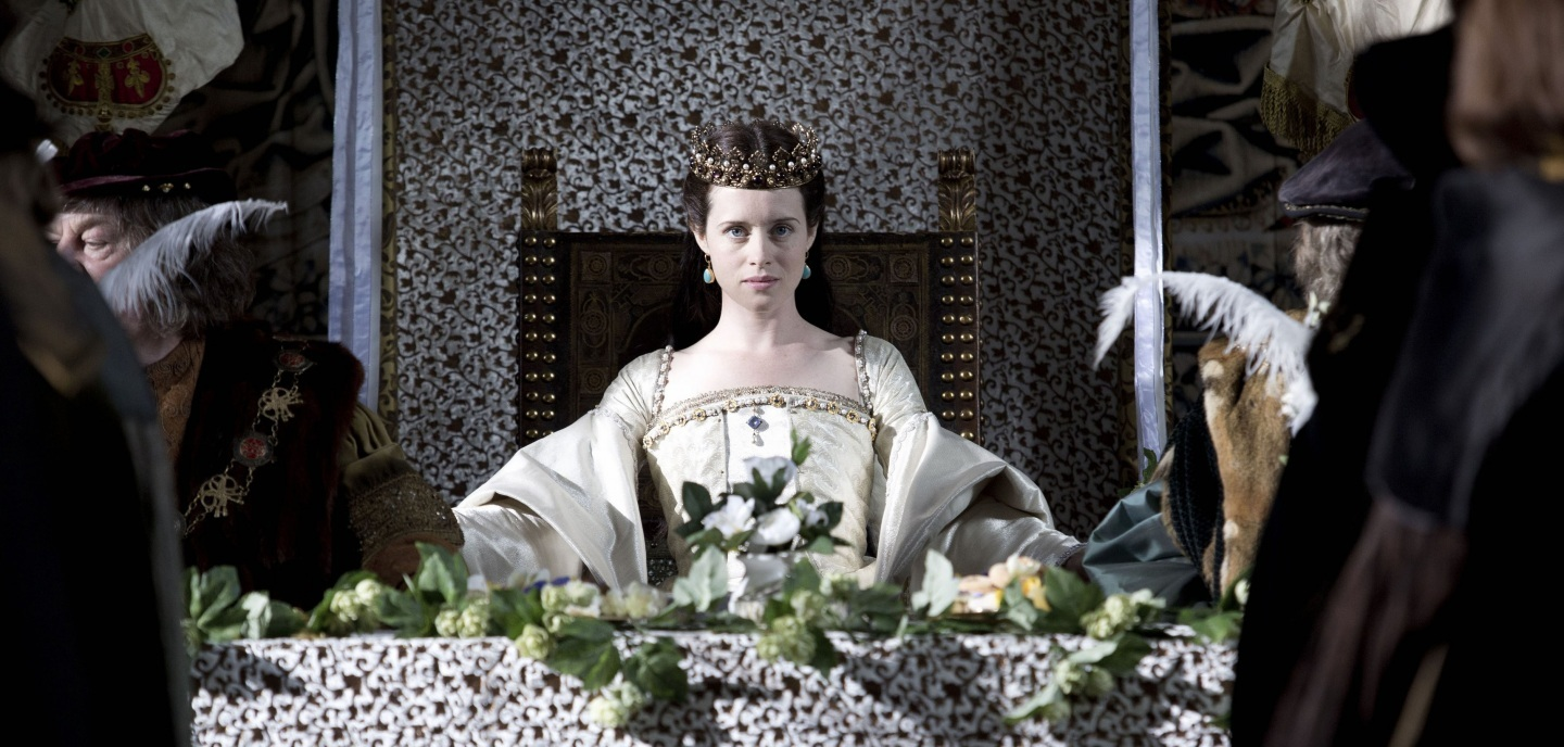 claire-foy-the-queen-2e2a5060479541c058478437f04e5bab-large-727341
